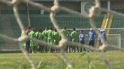 Guarani faz último treino antes de viajar para Alagoas