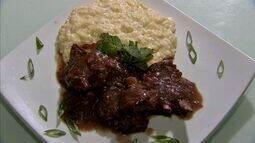 Receita: carneiro guisado pode ser feito com diversas combinações de sabores