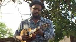 Compositor e instrumentista Warley Henrique lança álbum em homenagem aos 100 anos do samba