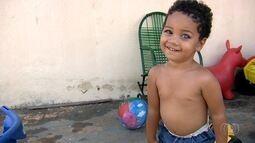 Menino que luta para não ficar cego consegue dinheiro para a cirurgia, em Goiânia