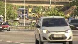 PRF volta a multar motoristas que não usam farol em BRs