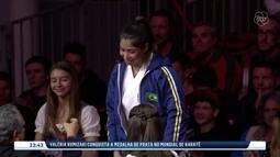 Valéria Kumizaki conquista medalha de prata no Mundial de Karatê