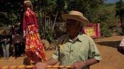 Apaixonado por cultura, agricultor em Cataguases divulga folclore nacional