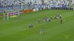 Cruzeiro empata no fim e complica situação do Santos no Brasileirão