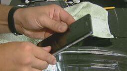 'Quadro Facilite' mostra dicas para manter os celulares bem cuidados e limpos