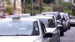 Táxi fica 20% mais caro neste mês de dezembro em Petrópolis, no RJ
