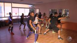 Baianos lotam academias para aprender coreografias que vão agitar o Festival de Verão