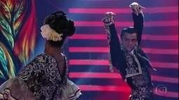 Felipe Simas dança o paso doble