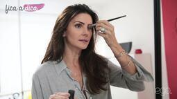 Lisandra Souto ensina maquiagem com iluminador e pó bronzeador para o verão 2017