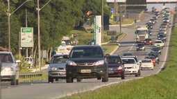 Estradas ficam movimentadas na volta do litoral no fim do domingo