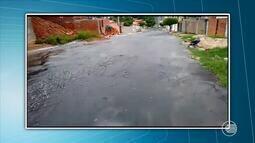 VC na Rede Clube: vídeo de internauta flagra vazamento de água em rua de Teresina