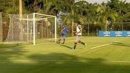 Com três de Ábila, Cruzeiro goleia Águia por 7 a 0, em jogo-treino na Toca da Raposa