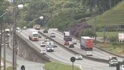 Mais de 37 mil motoristas foram multados pela lei do farol baixo