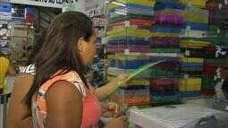 Procon fiscaliza cobrança ilegal de material escolar coletivo em Fortaleza