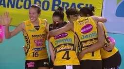 Veja pontos marcantes de Praia Clube 3 x 0 Pinheiros pela Superliga feminina de vôlei