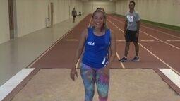 Velocista tricampeã paralímpica, Terezinha Guilhermina começa a treinar salto em distância