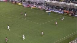 São Paulo vira o jogo e derrota o Santos na Vila Belmiro
