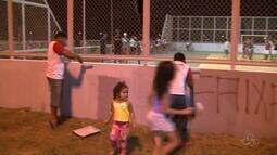 Moradores se reúnem para limpar bairro de Boa Vista
