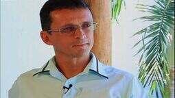 Café com Tapioca conhece tenente coronel dos Bombeiros que é professor, escritor e músico