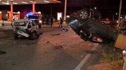 Motoristas bêbados provocam acidente na avenida da FEB