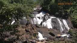 Conheça a beleza da cachoeira dos Catabriga, no distrito de Ibirajá, em Itanhém
