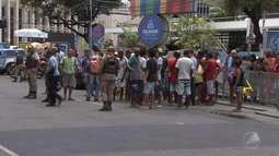 Ambulantes cadastrados para trabalhar no carnaval fazem protesto no Campo Grande