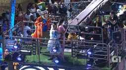 Alinne Rosa canta 'Lágrima das Inimigas' no circuito Barra-Ondina