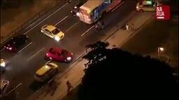 Vídeo mostra motoristas na contramão para fugir de tiroteio na Zona Sul do RJ