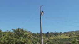 Moradores da zona rural de Ilicínea (MG) reclamam de perdas por falta de energia elétrica