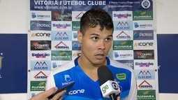 Rafael Olioza vibra com sequência de jogos e valoriza parceria na zaga com Marco Antônio