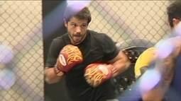 Kyra Gracie entrevista o ator Duda Nagle, que interpreta um lutador