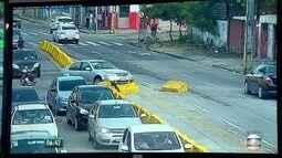 Motorista perde controle e bate em gelo baiano na Zona Norte do Recife