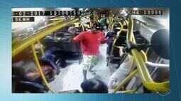 Polícia Civil divulga imagens de dois assaltos a ônibus e pede ajuda na identificação