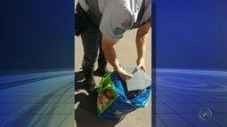 Casal é flagrado com pasta base de cocaína em ônibus na Castello Branco