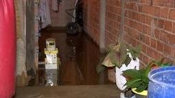 Casas são invadidas por esgoto após chuva forte em Sorocaba