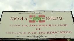 Deficientes ficam sem atendimento após fechamento da Afape de Friburgo, no RJ