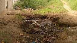 Bairro de São Pedro, RJ, sofre com falta de saneamento e estrutura