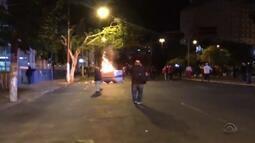 BM usa bombas de gás após depredações em Porto Alegre
