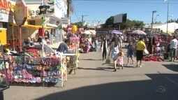 Evento religioso atrai comerciantes de todo o país em Camboriú mas preocupa comércio local