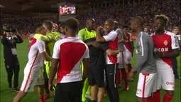 Jogadores do Monaco fazem a festa do título do Campeonato Francês