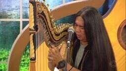 Fábio Kaida fala como começou na harpa e casal