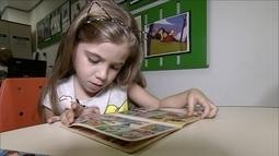 Programa nas escolas leva crianças a leitura desde muito pequenas
