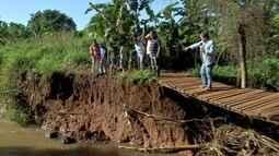 Moradores do Jardim Carioca ainda esperam solução para ponte que caiu em Campo Grande