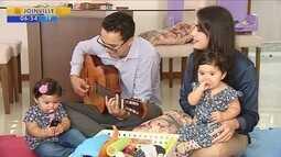 Pai de gêmeas consegue aumentar licença-paternidade para 180 dias em SC