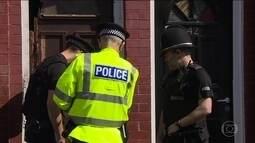 Polícia prende mais duas pessoas por ligação com o ataque em Manchester