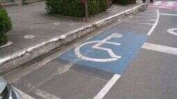 Vagas de deficientes são ocupadas indevidamente em Cachoeiro, no Sul do ES