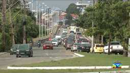 Veja a movimentação do trânsito nas ruas e avenidas em São Luís