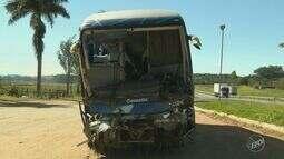 Acidente com ônibus a caminho de Campinas deixa 22 feridos e um morto no Sul de Minas
