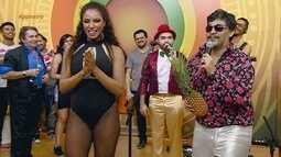 No 'show de calouros', Oyama Filho distribui abacaxis