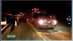 Acidente deixa mortos e um ferido na BR-116, próximo a Itambacuri